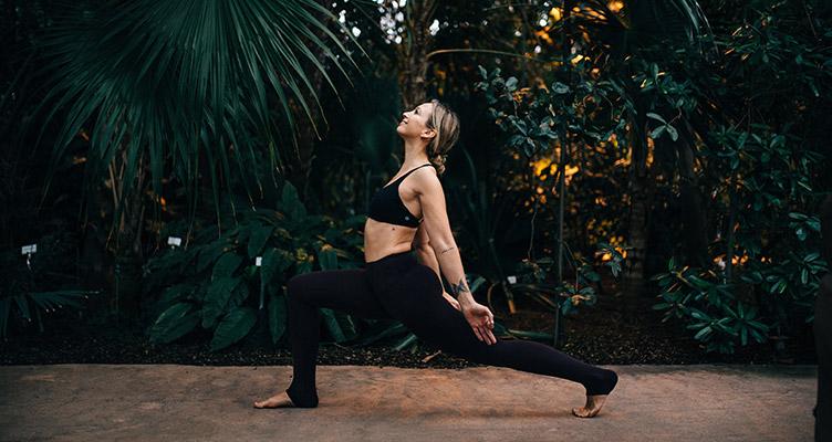 Anusara Yoga mit Sandra von Zabiensky