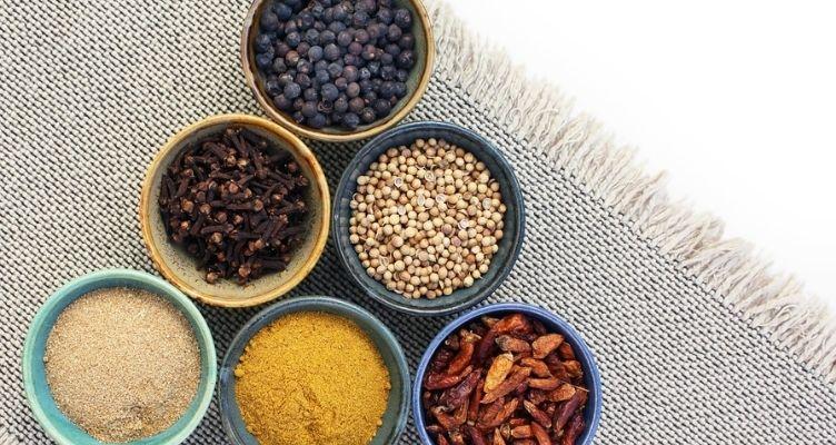 Kurkuma in der Herbstküche Teil 1: Kichererbsen-Spinat-Curry