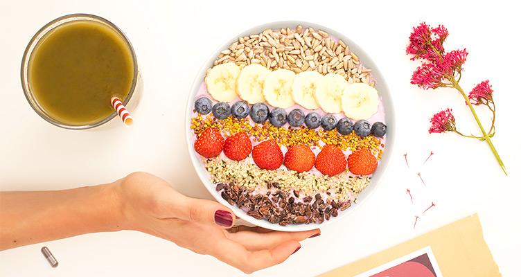 Smoothie Bowl mit Superfood Pulver