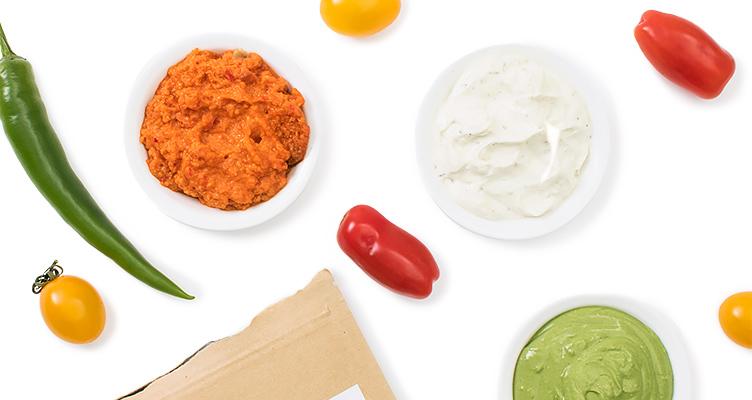 Rohes Picknick mit veganen Dips